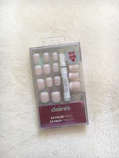 sealed fake nails set