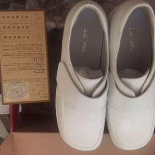 La new 護士鞋