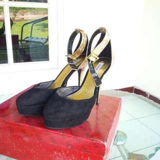 JUAL MURAH!! High Heels GUESS Original