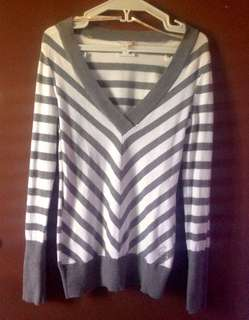 G by GUESS V-Neck Pull over