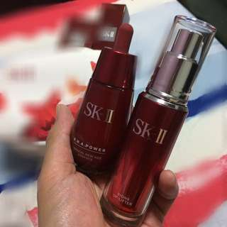 SKII RNA POWER ESSENCE & SIGNS UP-LIFTER