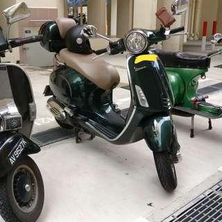 Green Vespa Primavera 150 COE Sept2025