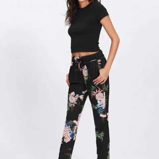 Top and Floral Pants Terno