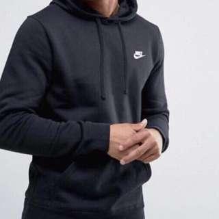 Nike Clos