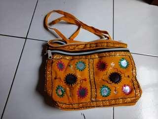 Tas  anak permpuan dari india