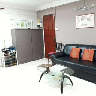 Blk 302 Clementi for rent