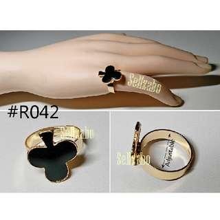 ® Ring ® : Adjustable : Black Club : Golden : Womens : Ladies : Female : Girls : Accessories : R42 : 戒指