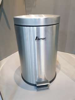 Stainless Steel Dustbin ( 20L )