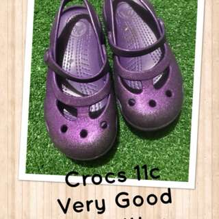Preloeved Crocs