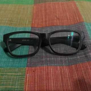 B04 Frame kacamata