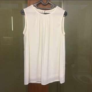 Basic white bouse/blouse putih gading/casual blouse/atasan putih