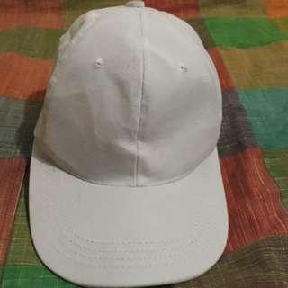 B04 Topi polos putih