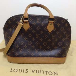 Authentic Louis Vuitton ALMA 30