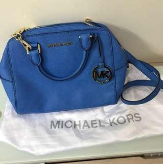 Michael Kors斜揹袋