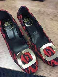 Roger Vivier New 38.5 Red Leopard patten chips heels