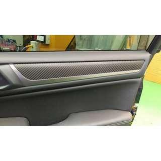 【騰信車體包膜】Subaru Outback 內裝飾板3M1080金屬碳纖維包膜