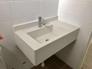 Solid surface basin sink