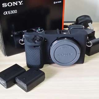 90% New Sony a6300 w box & batteries