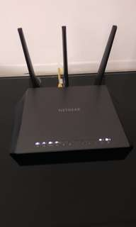 Netgear Nighthawk AC1900 Smart WiFi Router + Netgear AC750 WiFi Dual Band Range Extender