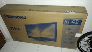 Panasonic TV 42""