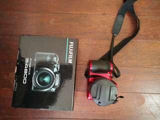 Fujifilm finepix S4800 Red