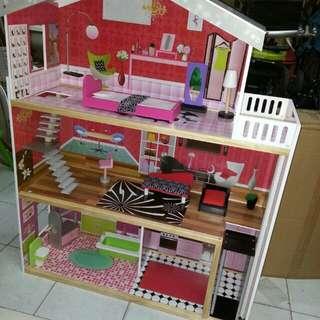 Dollhouse play kitchen