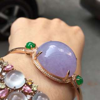 Beautiful icy Lavender Jadeite Bangle