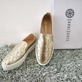 SLIP ON SHOES GOLD
