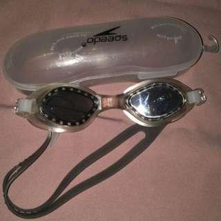 B-02 Kacamata Renang Speedo