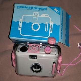 B-02 Camera Lomo Aquapix