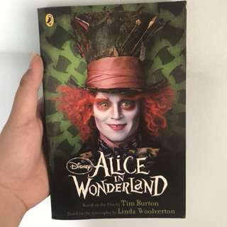 Buku Alice in Wonderland
