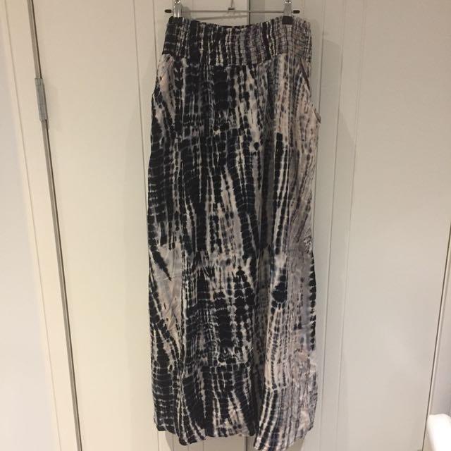 (12) Temt tie-dye maxi skirt