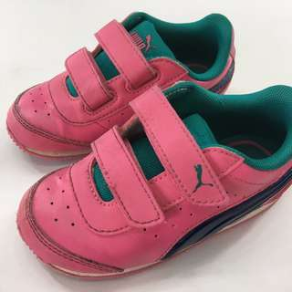 Shoes : Puma (Girl's Sport Shoes)