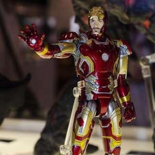 Mafex 013 Iron man mark 43 鐵甲奇俠 鋼鐵人