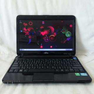 Fujitsu compact laptop
