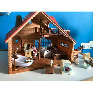 Sylvanian Families Log Cabin Set (newly bought)