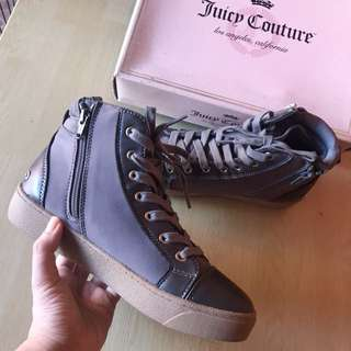 Juicy couture sneakers size 7