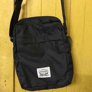 levis sling bag