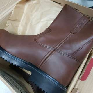 Red wing safety shoes pecoss ori made in USA