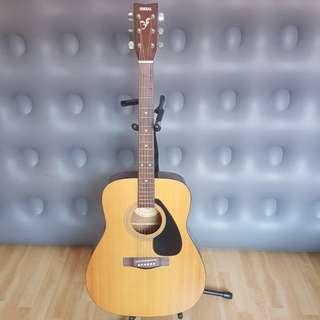 Yamaha acoustic guitar f210 (BRIDGE REPAIR REQUIRED)