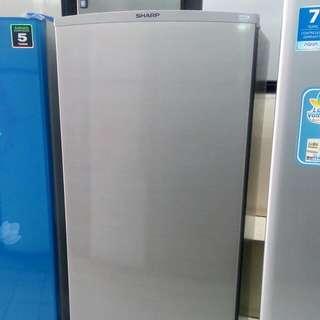 Aqua freezer kulkas