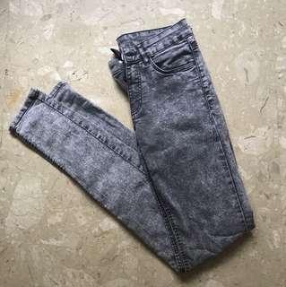 H&M Women's Grey Acid Wash Jeans