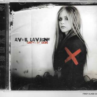 MY PRELOVED CD - AVRIL LAVIGN - UNDER MY SKIN /FREE DELIVERY (F7F))