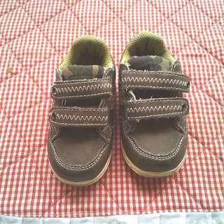 Sepatu air walk size 5