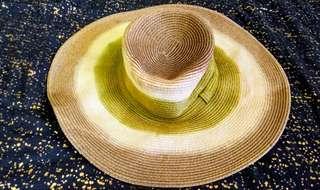 Jessica Simpson beach hat