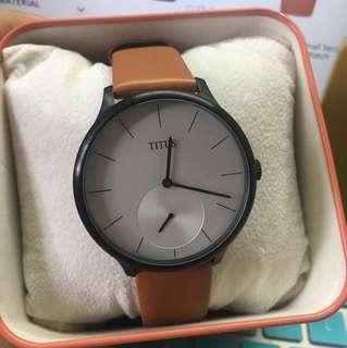 SOVIL ET TITUS (Interlude 2 Hands Small Second Quartz Leather Watch)