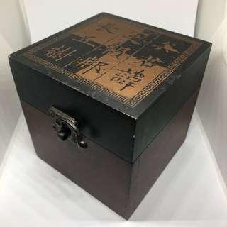 非古董收納盒子