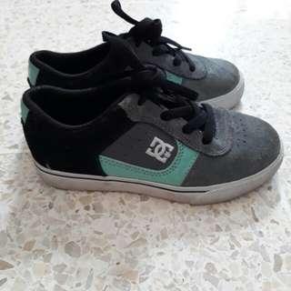 Dc shoe kids
