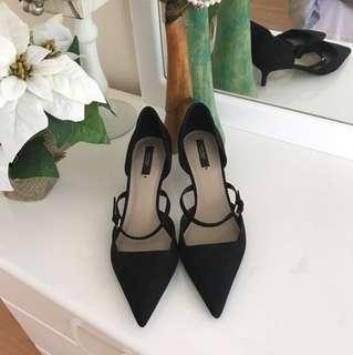 Zara pointed kitten heels size 9