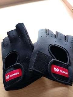 行山單車滾軸溜冰防滑手套